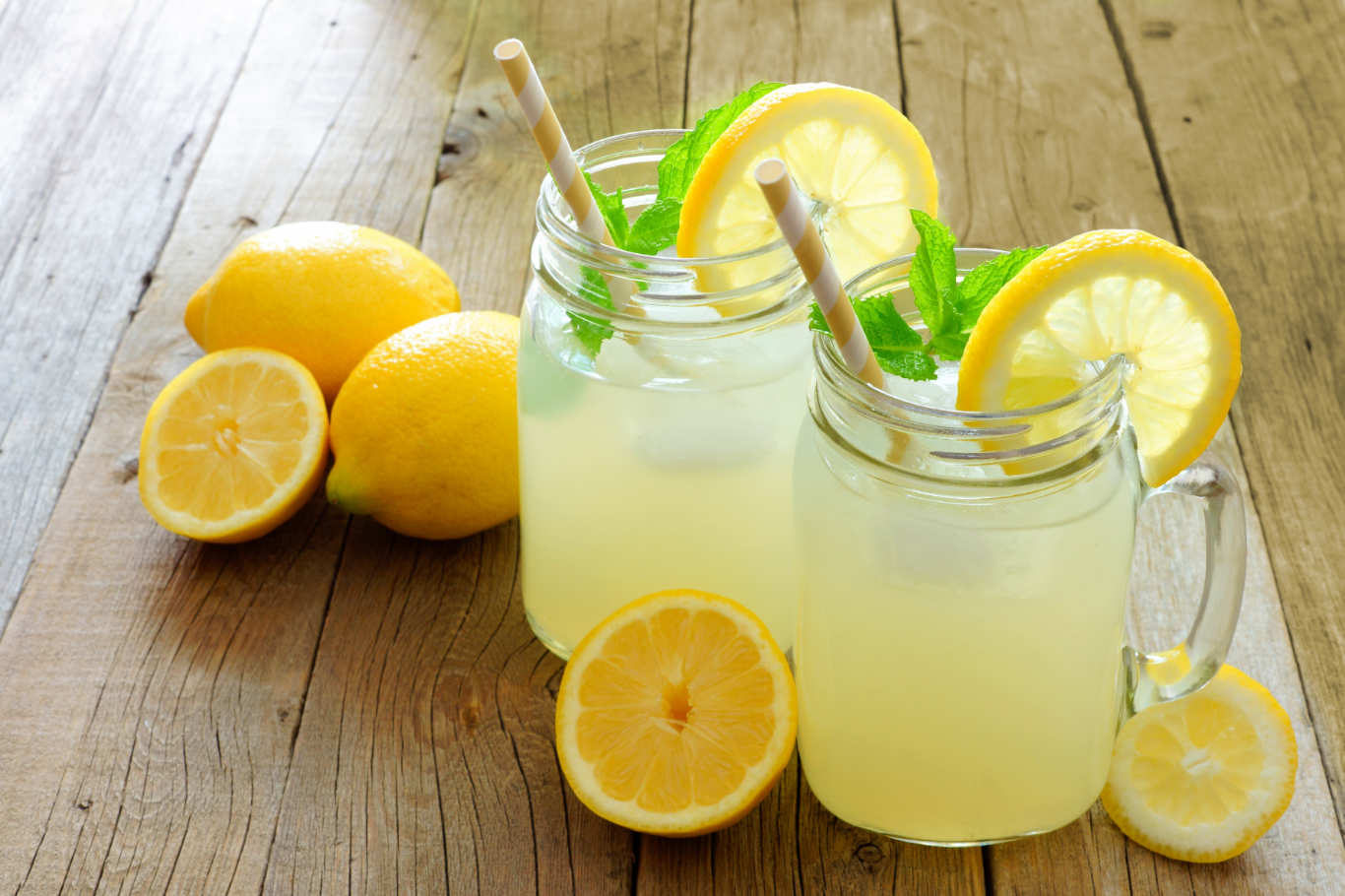 Homemade-lemonade-BestRecipeFinder