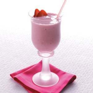 Strawberry-Banana-Smoothie-BestRecipeFinder