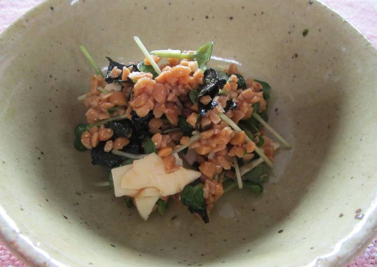 mixed-salad-with-natto-and-white-radish-sprouts-BestRecipeFinder