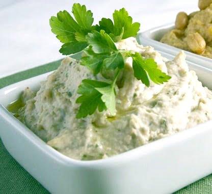 white-bean-hummus-with-fresh-basil-and-thyme-BestRecipeFinder